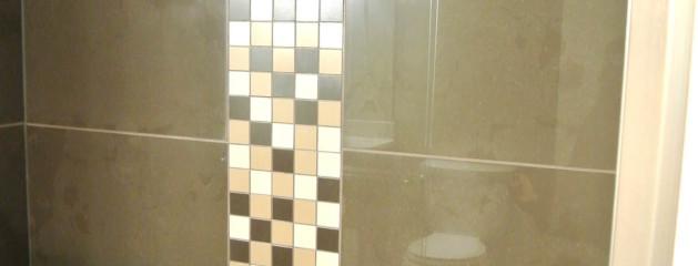 Hardwood / Tile